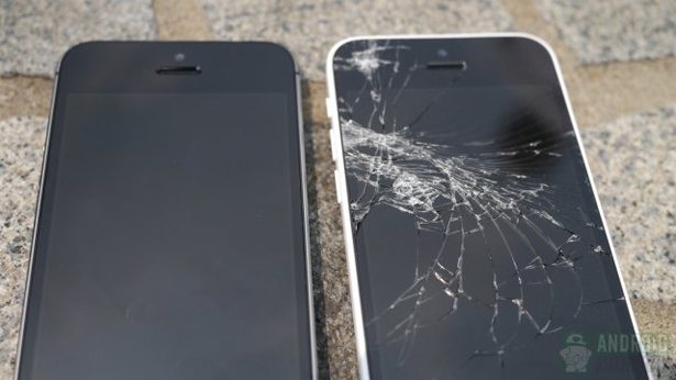 iPhone_5s_5c_crash_tests_6