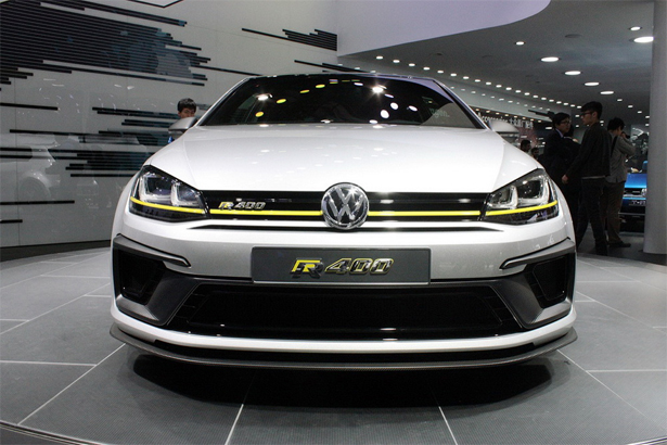 Volkswagen-Golf-R_2