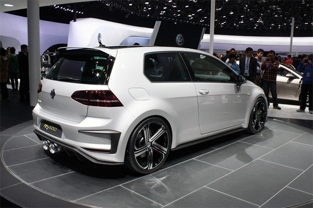 Volkswagen-Golf-R_4