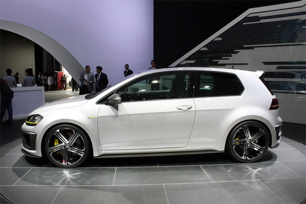 Volkswagen-Golf-R_9