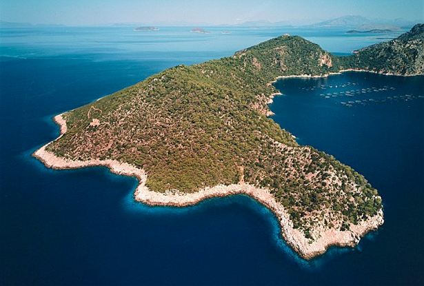 Greek-paradise-plot-Nafsika-Island